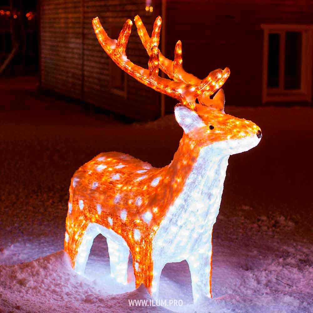 Светящаяся фигура пятнистого оленя