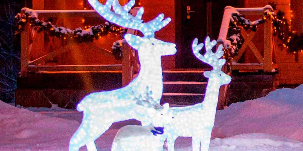 Семья светящихся новогодних оленей иакриловые медведи