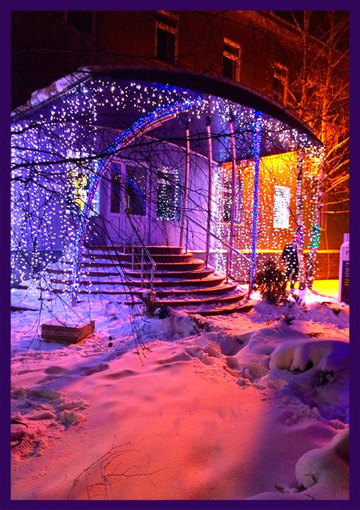 Новогоднее украшение входа