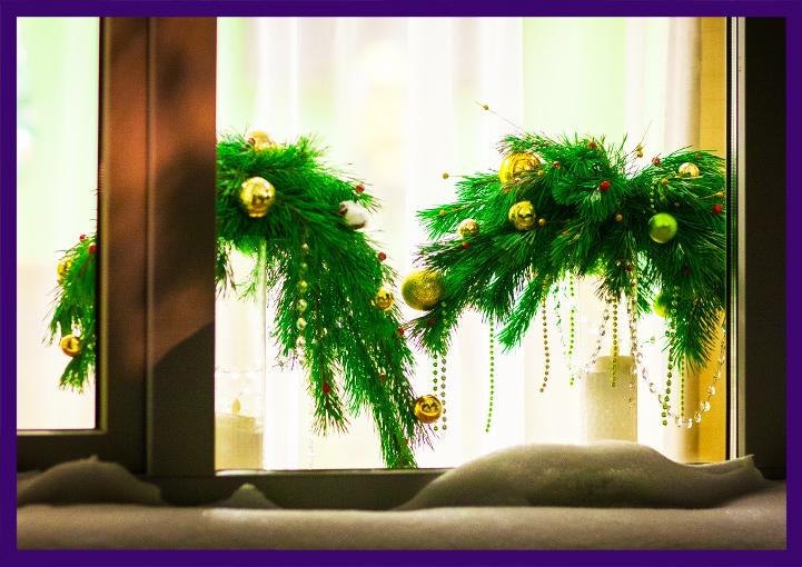 Новогодние композиции в окне