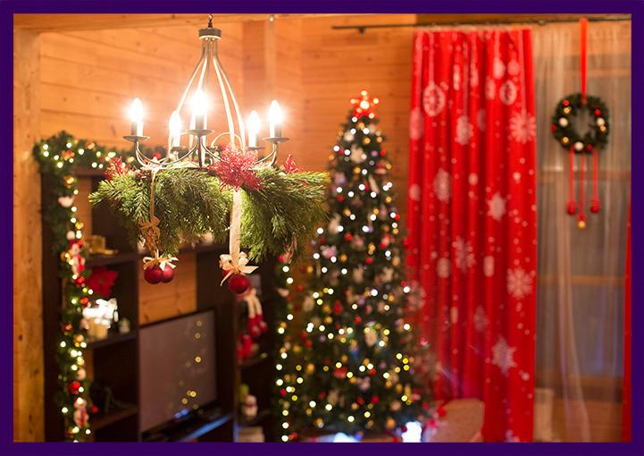 Хвойный декор. Новогодняя ёлка. Новогодние шторы.