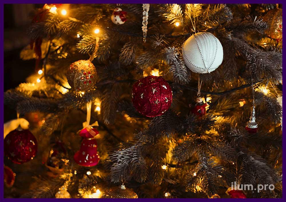 Украшение новогодней ёлки