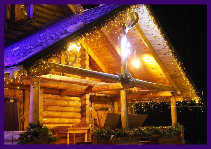Украшение входа в дом к Новому году