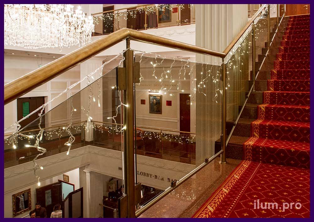 Новогодние декорации для торгового центра