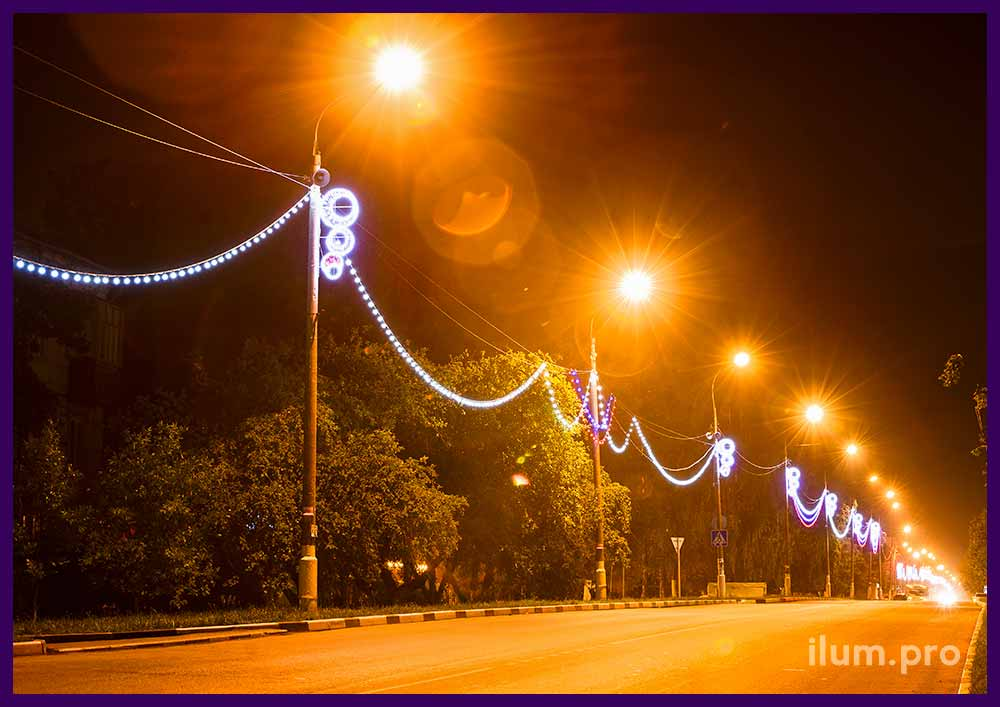 Украшение столбов светодиодными гирляндами