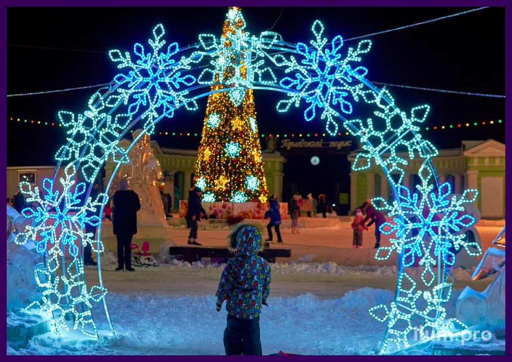 Светодиодное дерево для украшения территории на Новый год