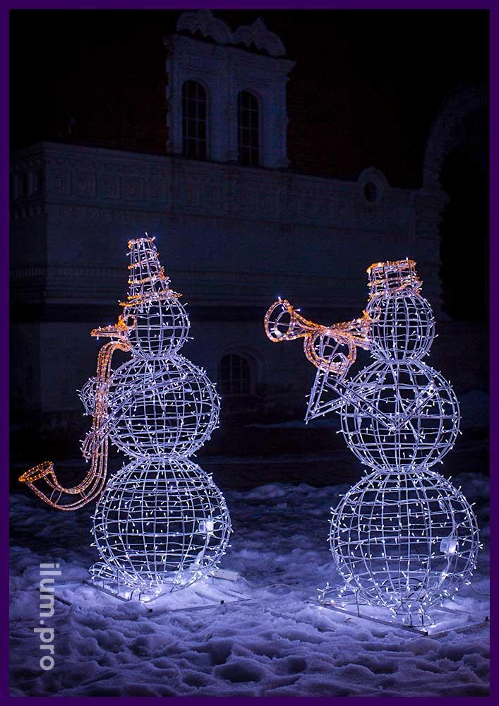 Светящиеся фигуры снеговиков для украшения улицы на новогодние праздники