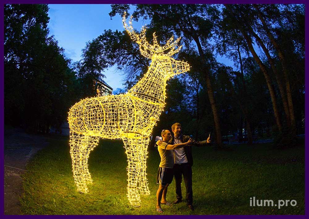 Светодиодная иллюминация для украшения парка - фигура оленя с подсветкой