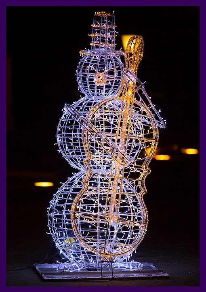 Светящаяся объёмная фигура снеговика с музыкальным инструментом