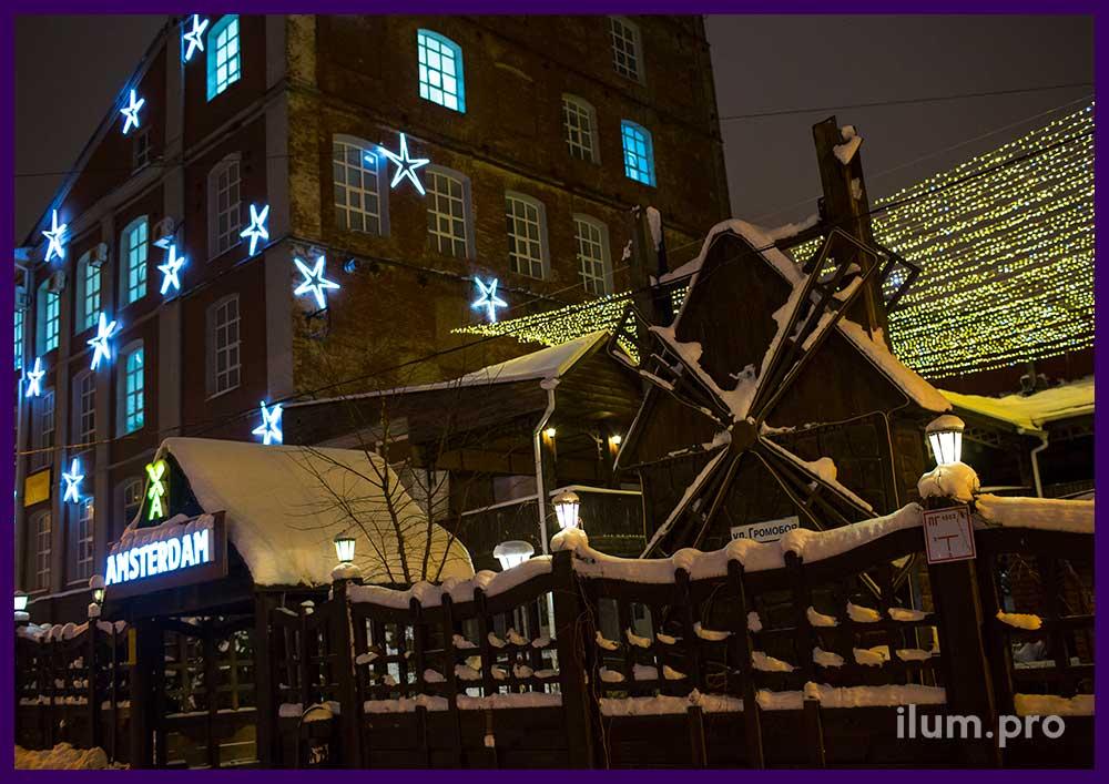 Украшение фасада к новогодним праздникам