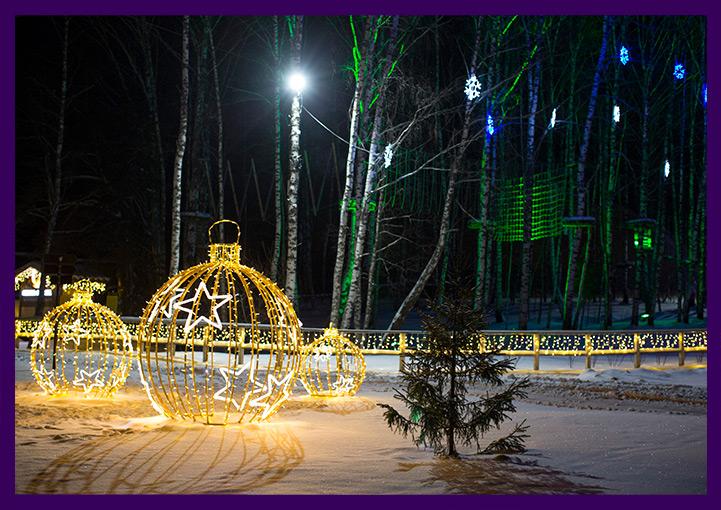 Новогоднее украшение территории световыми фигурами