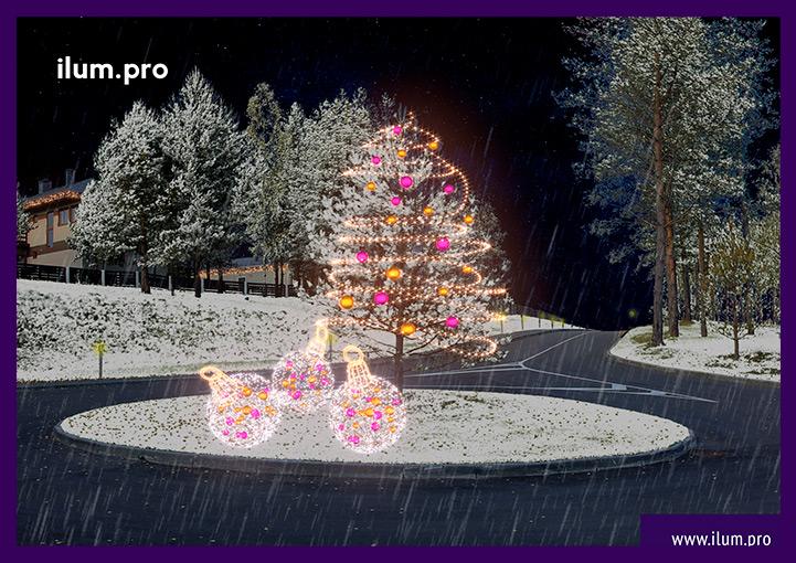 Новогодние гирлянды на деревьях в Доброграде