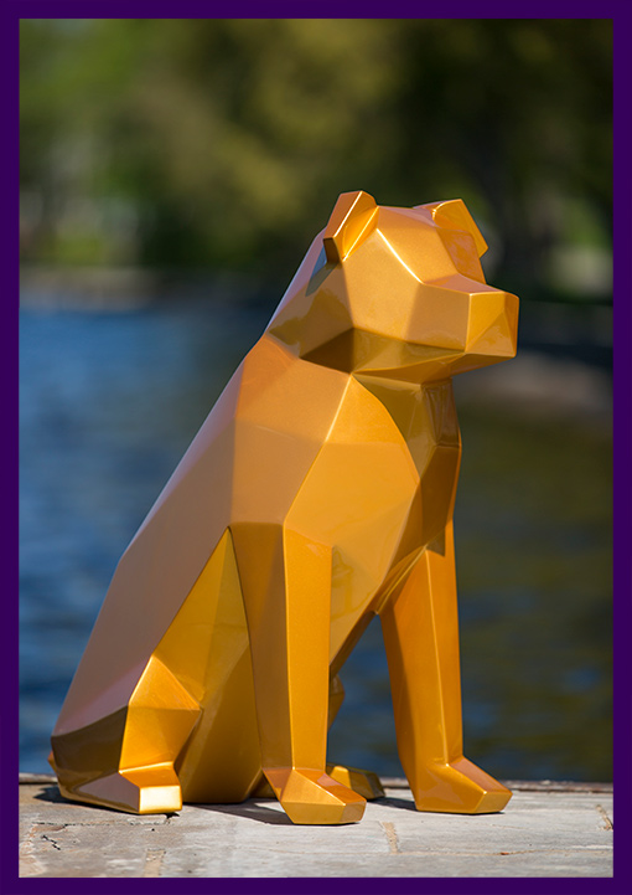 Полигональная фигура собаки из металла
