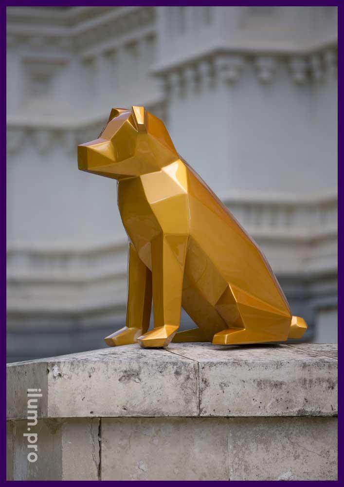 Фигура собаки из металла в полигональном стиле