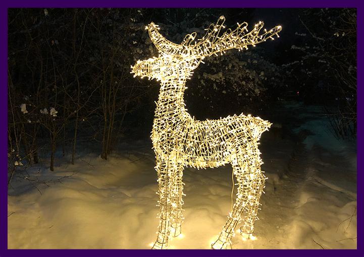 Светящийся олень на Новый год