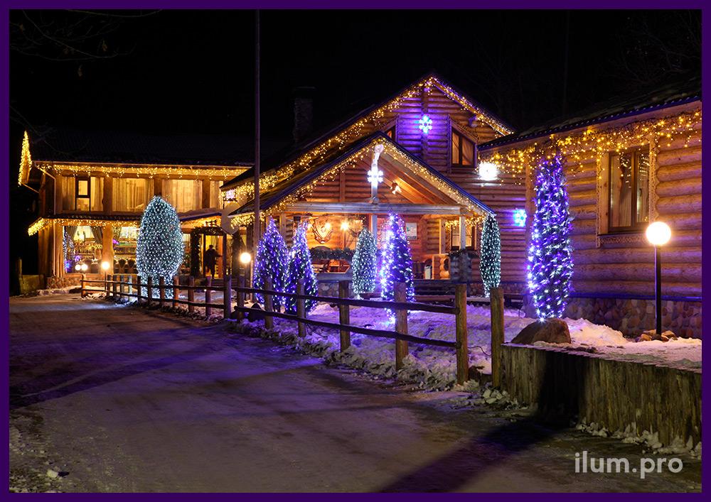 Светодиодные сетки, снежинки и гирлянда бахрома на крышах домов