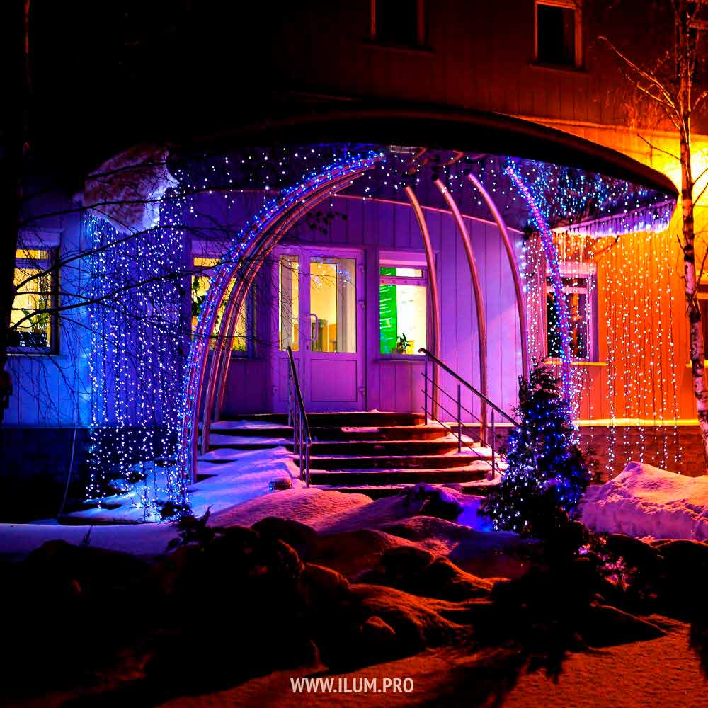 Оформление территории иустановка уличной новогодней ёлки