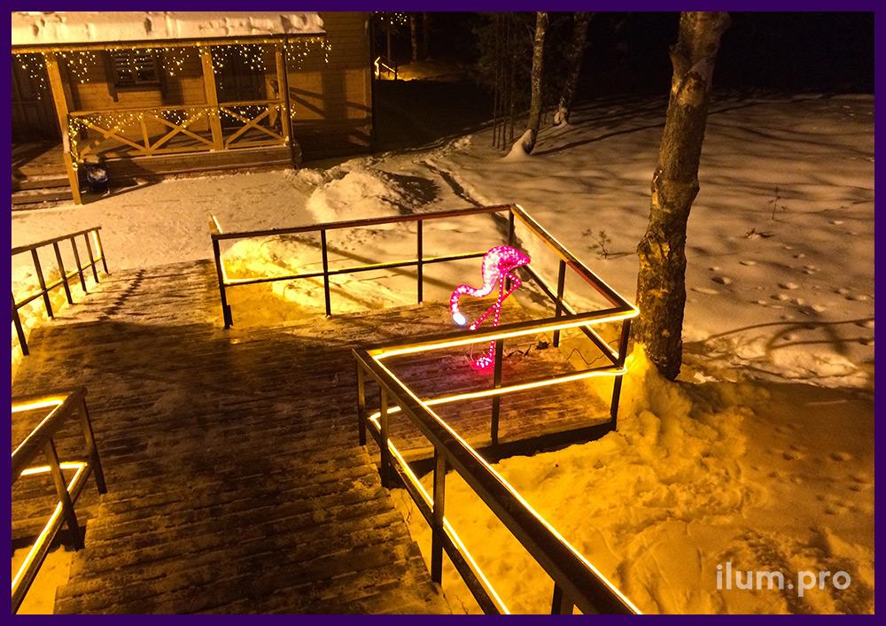 Подсветка лестницы акриловыми фигурами с подсветкой и гибким неоном
