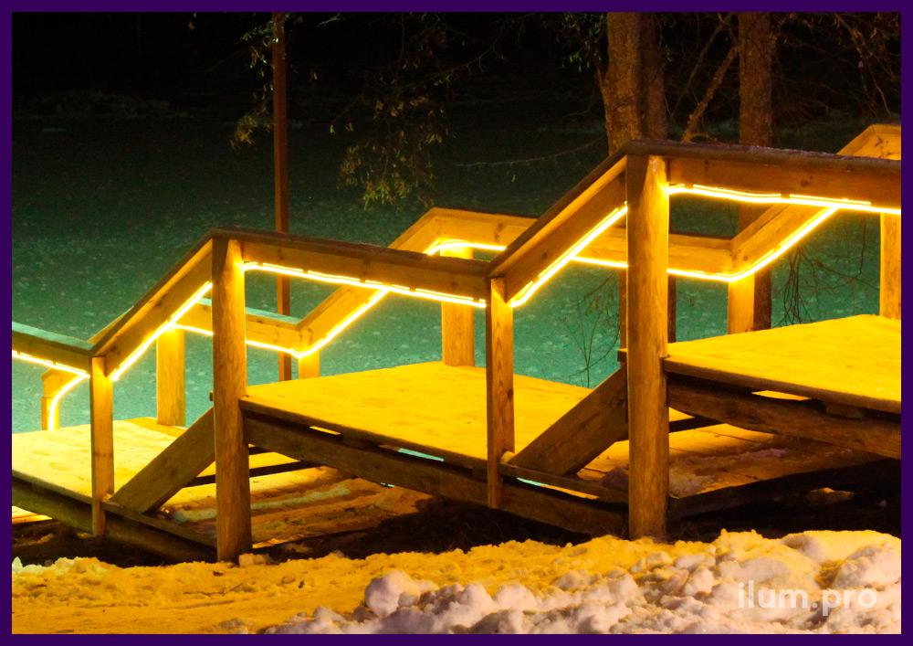 Подсветка лестницы гибким неоном жёлтого цвета