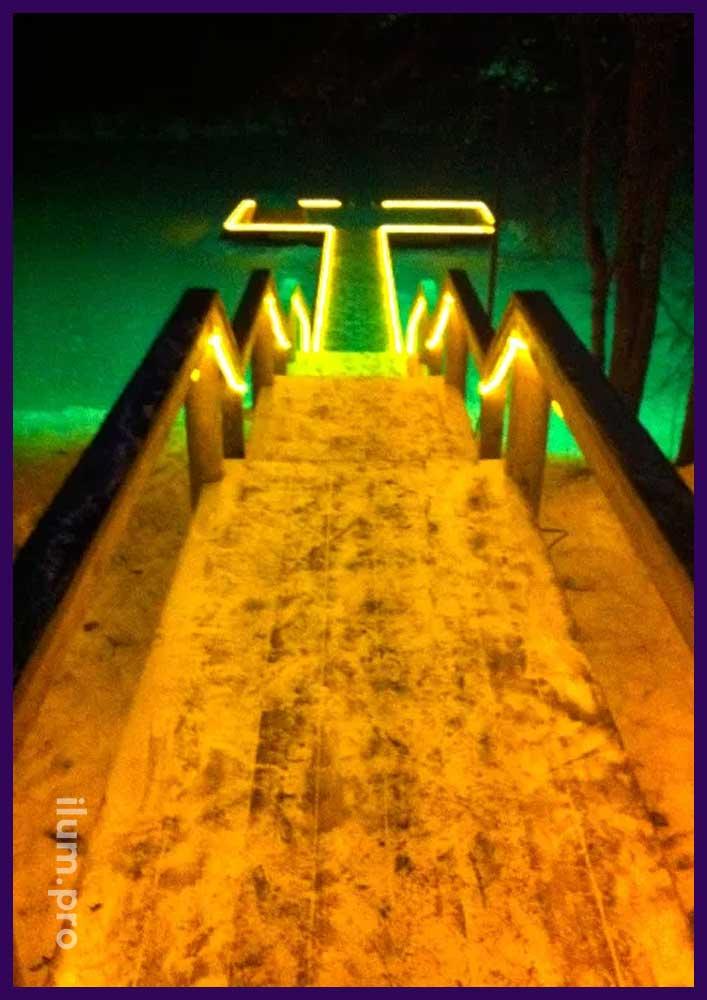 Освещение перил лестницы тёпло-белым flex неоном