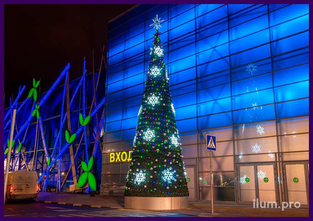 Разноцветные новогодние фигуры со светодиодными гирляндами