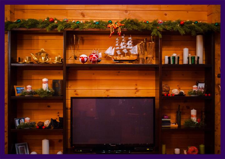 Новогоднее украшение интерьера загородного дома