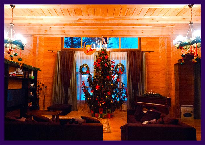 Новогодний интерьер загородного дома в Подмосковье