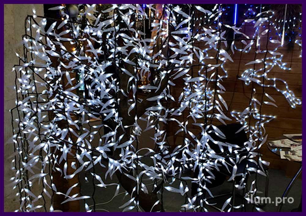 Новогоднее светодиодное дерево ива белого цвета
