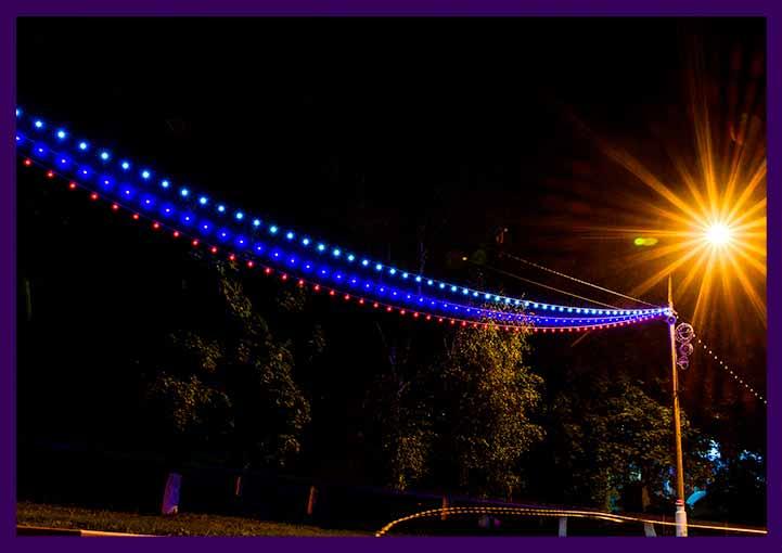 Триколор из светодиодного белтлайта с шагом 40 см между патронами