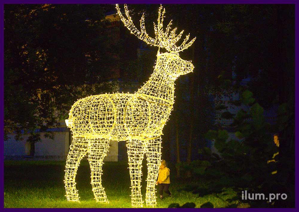 Светящаяся объёмная фигура оленя для сада
