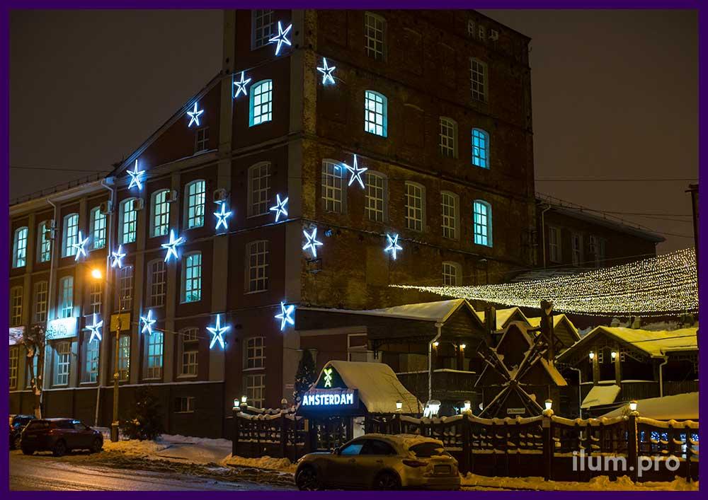 Новогоднее украшение фасада бизнес-центра в Иваново