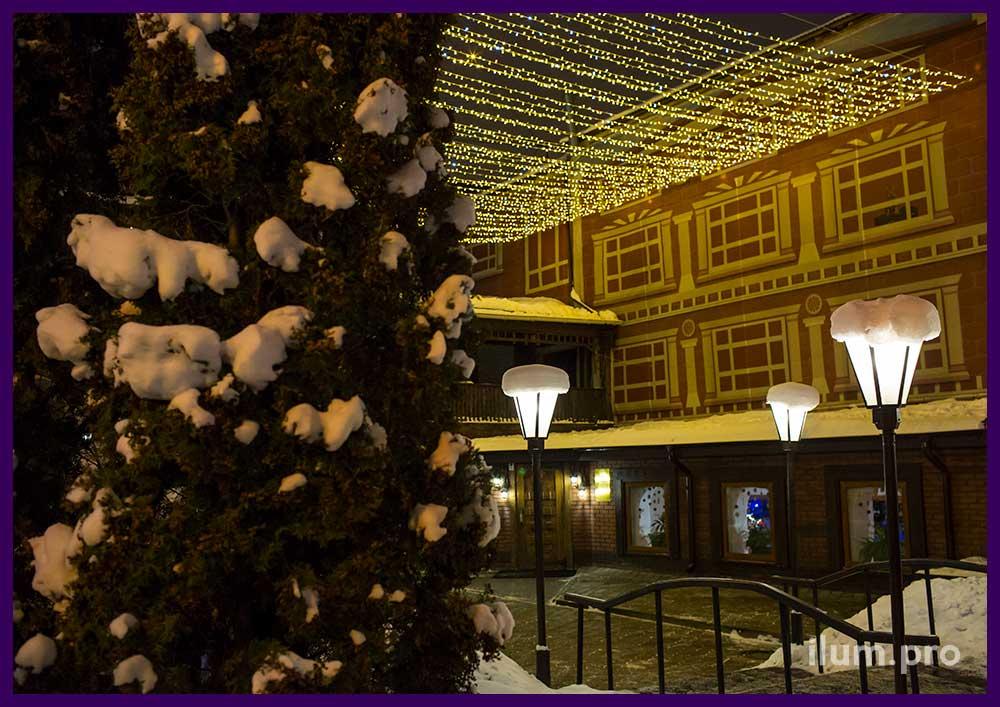 Новогоднее украшение ресторана в Иваново гирляндами