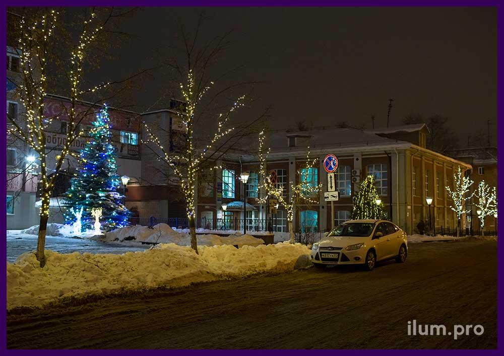 Новогоднее украшение деревьев и ёлки в Иваново