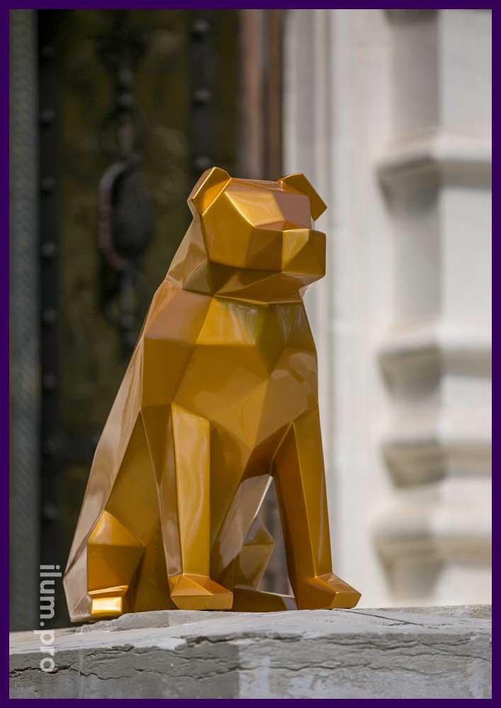 Полигональная фигура собаки из металла для украшения фотостудии