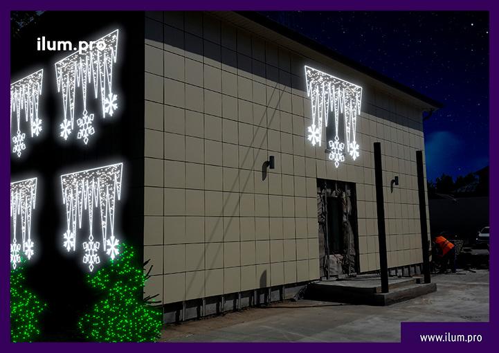Новогоднее украшение фасада светодиодными консолями