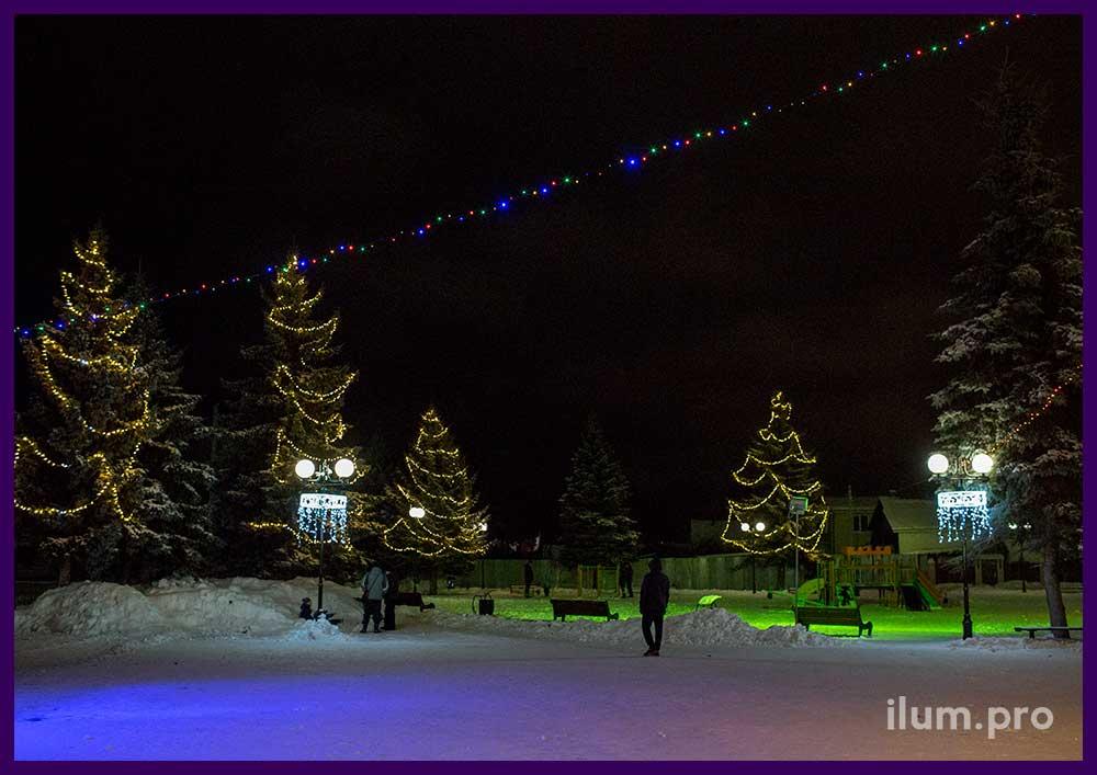 Украшение площади на Новый год светодиодной иллюминацией