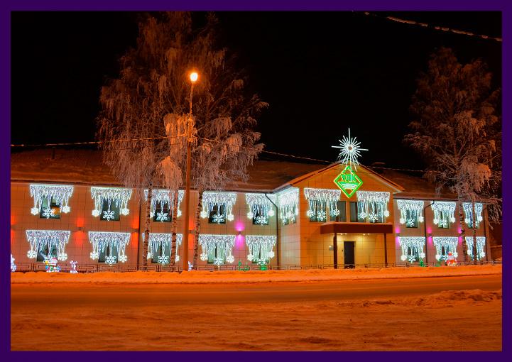 Украшение фасада здания на Новый год световыми консолями