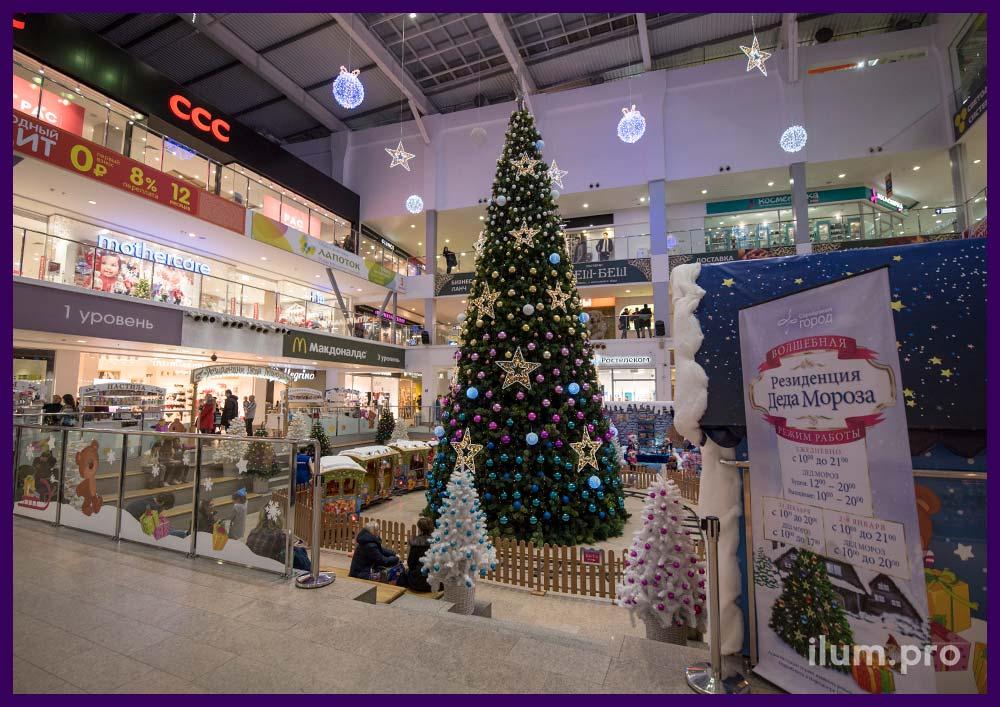 Новогодние светящиеся фигуры для украшения торгового центра