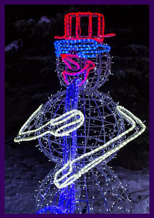 Светодиодная подсветка фигуры снеговика с саксофоном из дюралайта