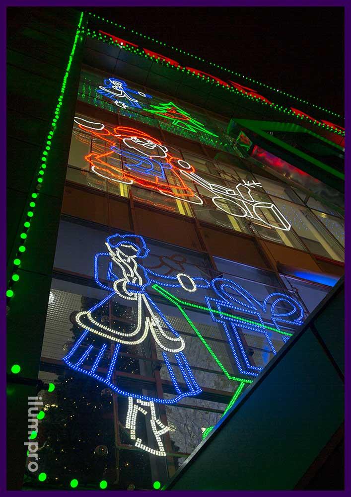 Новогоднее украшение фасада торгового центра