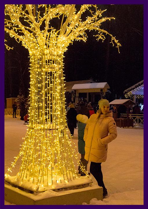 Светодиодное дерево с подсветкой из гирлянд
