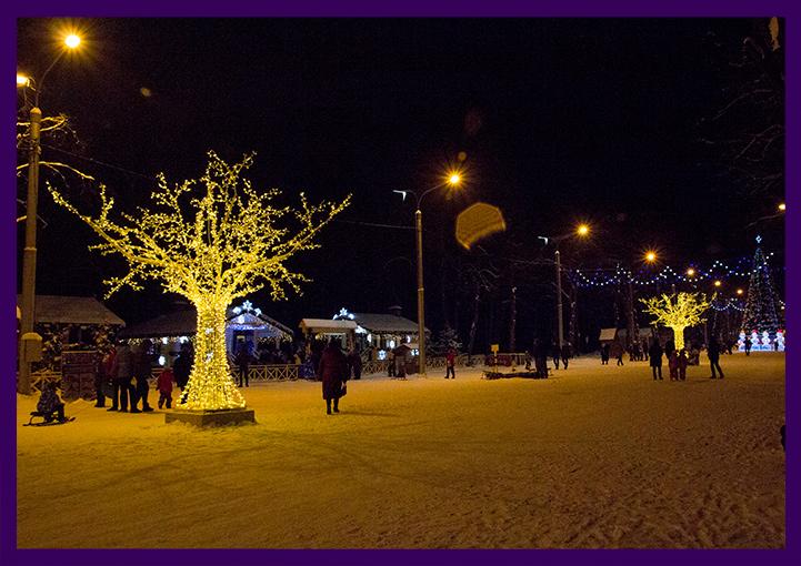 Уличное светодиодное оформление на Новый год