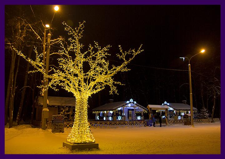 Украшение лесопарка - фотозона в виде светового дерева