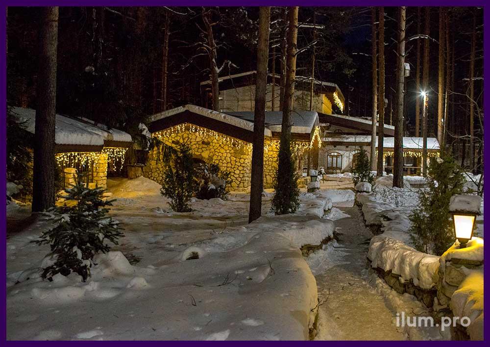 Новогоднее украшение светодиодными гирляндами домов