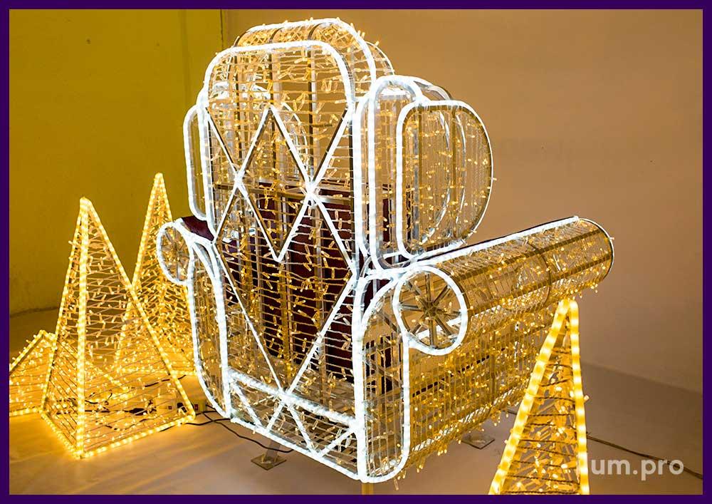 Оформление гирляндами спинки кресла на Новый год