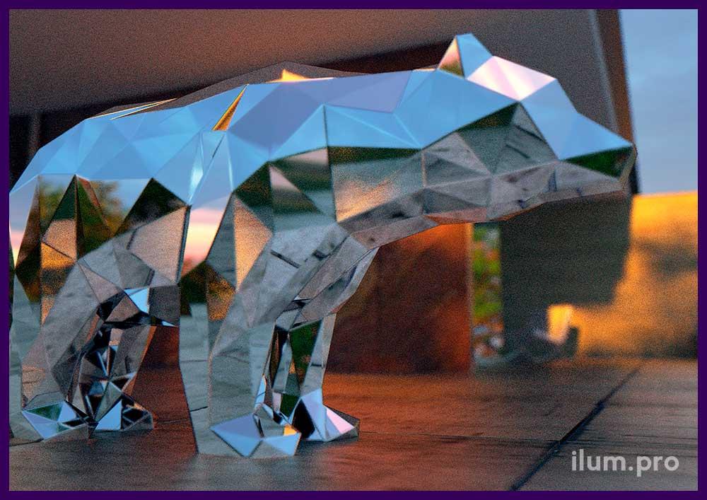 Полигональный медведь из зеркальной нержавейки гранёный