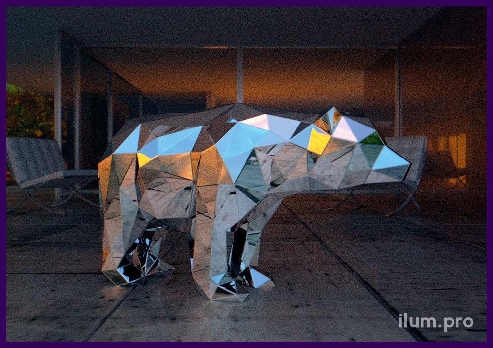 Зеркальная фигура медведя из стали в полигональном стиле