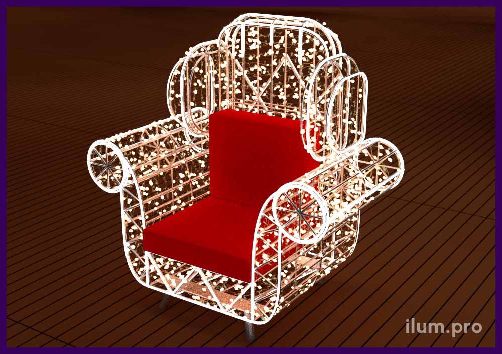 Внешний вид кресла с гирляндами для украшения ТЦ