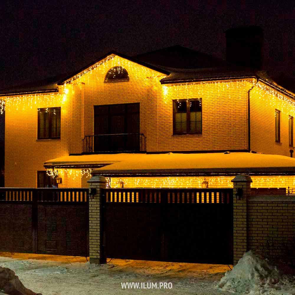 Украшение дома светодиодной бахромой