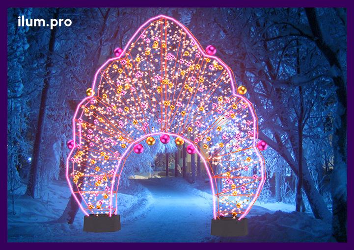 Уличная иллюминация в форме арки в русском стиле с подсветкой гирляндами